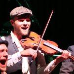 Skolebørn i professionelle koncertrammer