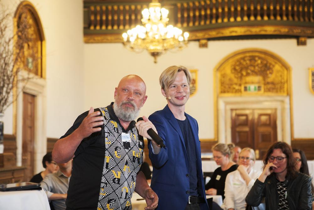 Frede Norbrink tager del i debatten