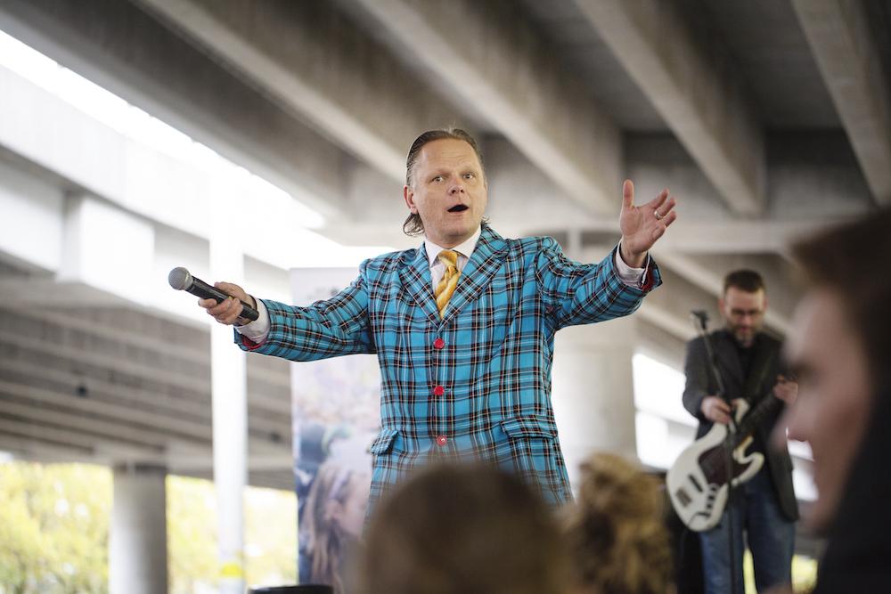 Sigurd Barrett til Fællessang Under Buen på Frederiksberg