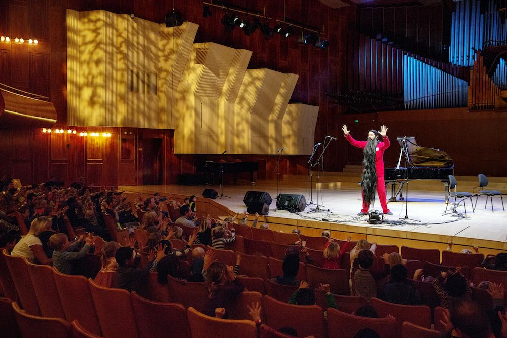 Hr. Skæg i DKDM's koncertsal