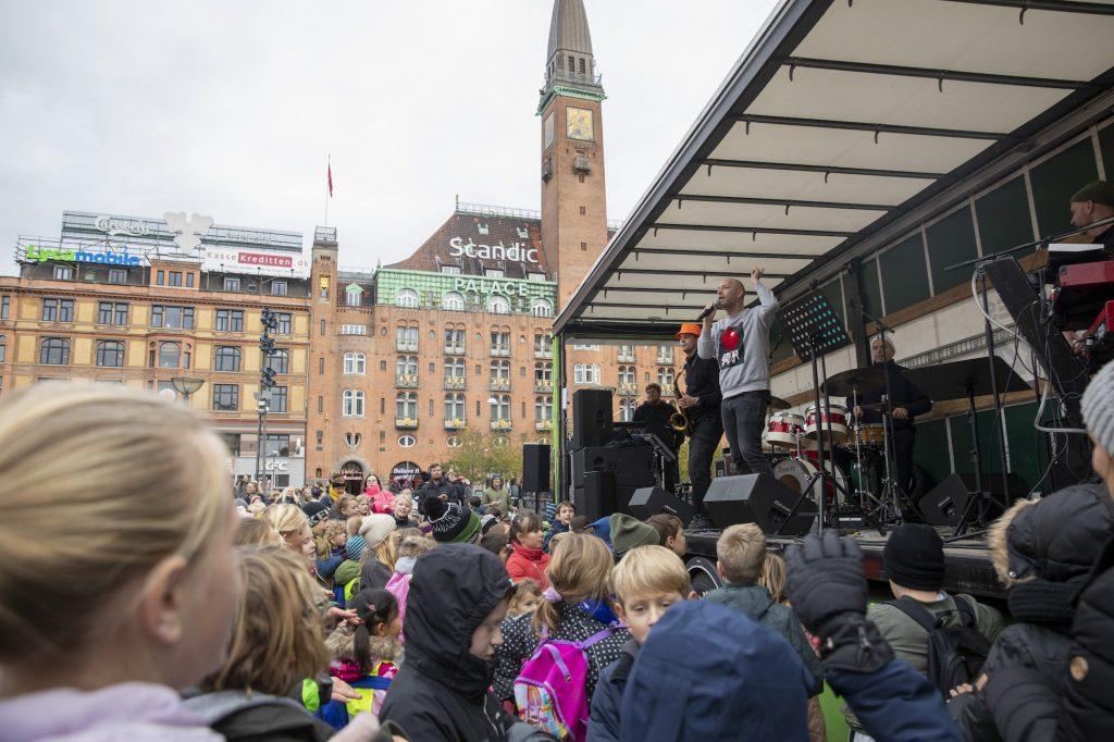 Bjarne List Nissen & musikere fra DR's Big Band på Rådhuspladsen KBH